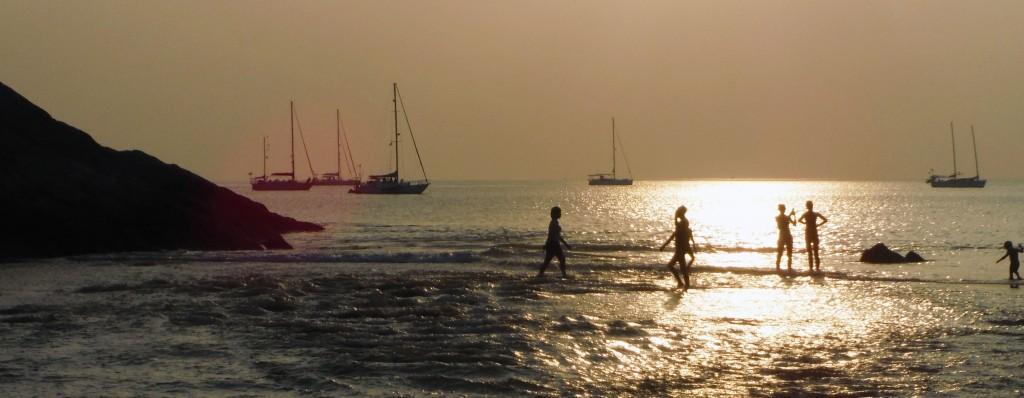 5 Abend am Strand von Nai Harn