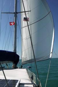 2 unter der Backbord-Saling die kleine stÑndige Schweizerflagge