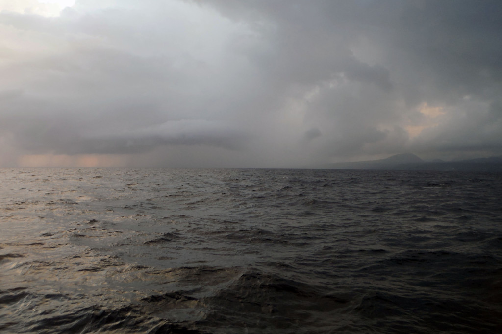 1 Regen über Sabang bei der Anfahrt