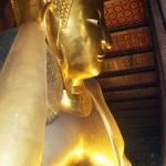 9 liegender Buddha aus Blattgold